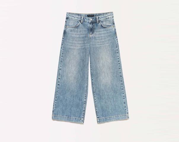 Palazzo-Jeans mit Destroyed-Effekten